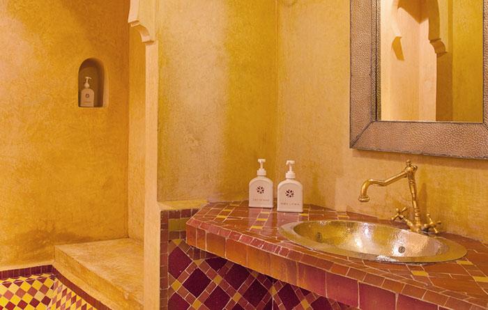 Angsana-Riads-Morocco-Rooms-Angsana-Heritage-Suite-Img2-1170x470