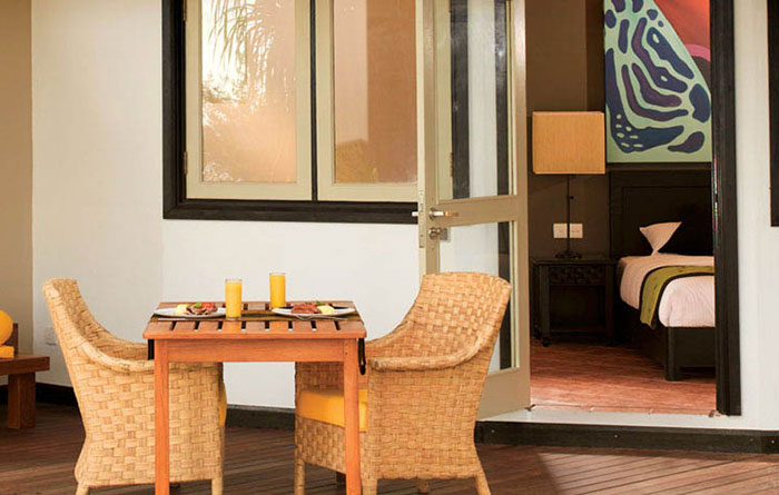 Angsana-Velavaru-Acc-Beachfront-Jet-Pool-Villa-Img1-1170x470