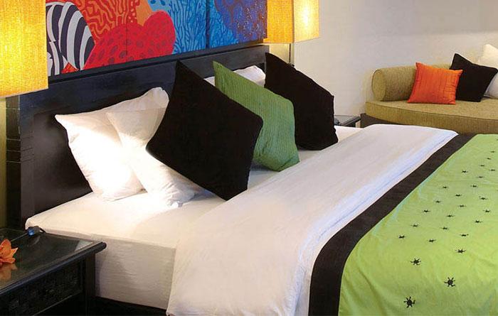 Angsana-Velavaru-Acc-Beachfront-Jet-Pool-Villa-Img2-1170x470