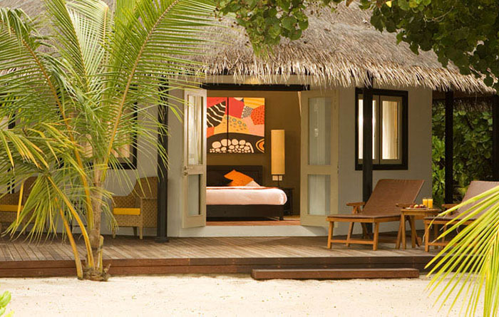 Angsana-Velavaru-Acc-Beachfront-Jet-Pool-Villa-Img4-1170x470